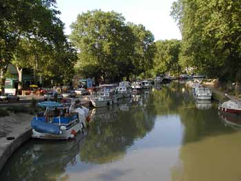 Capestang Herault Languedoc Photo Feature Feature