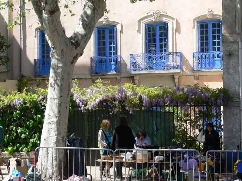 vide grenier in narbonne aude languedoc south france april 10 2011 take time off and be. Black Bedroom Furniture Sets. Home Design Ideas